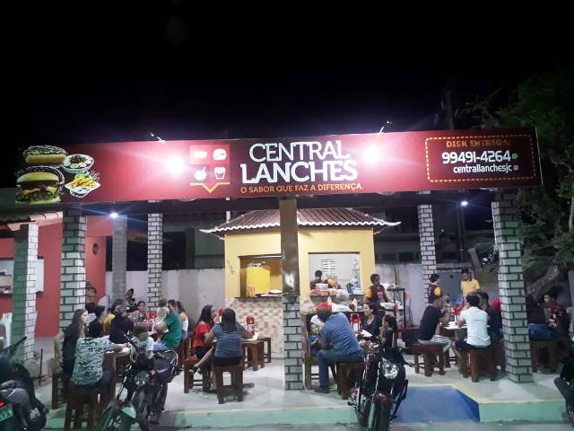 central-lanches-foto-01.jpg